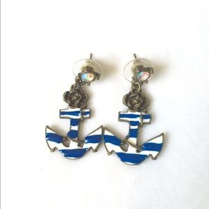 ✨ Betsy Johnson Anchor Earring✨